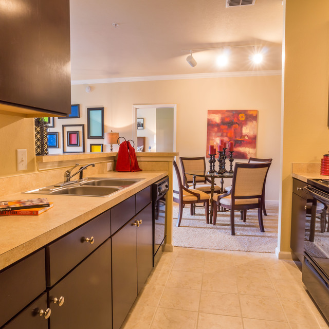 Century ChampionsGate Apartments Kitchen