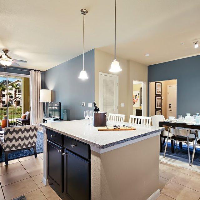 Cross Creek Apartments Dallas: Tampa, FL Apartments