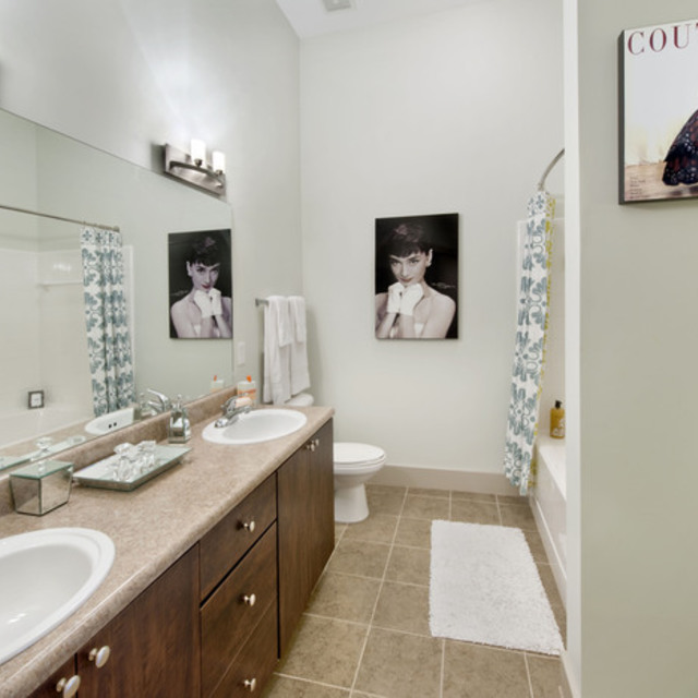 Century Skyline Apartment Bathroom