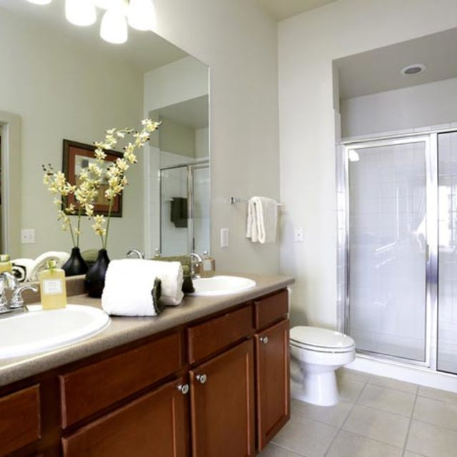 Century Galleria Lofts Bathroom