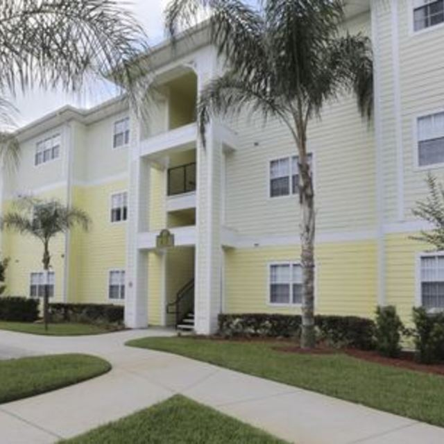 Century Cross Creek Apartments In Tampa, FL