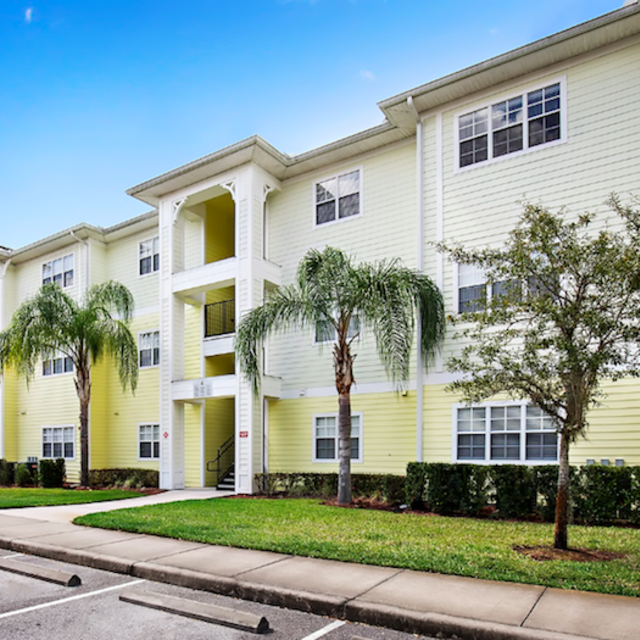 Century Cross Creek Apartments In Tampa, Florida