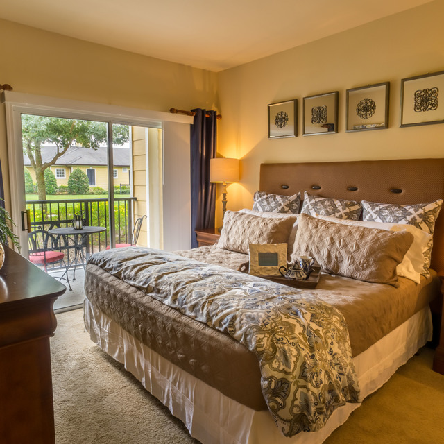 Century ChampionsGate Apartment Bedroom