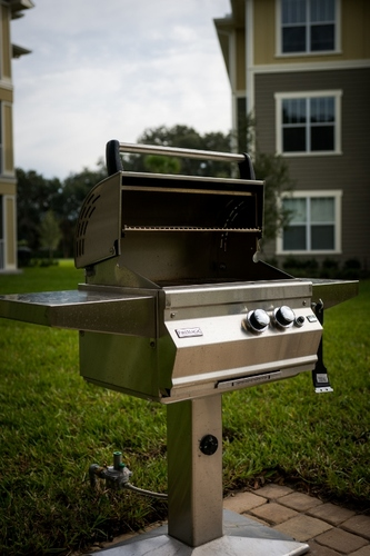 Century Crosstown Apartments Gas Barbecue Grill