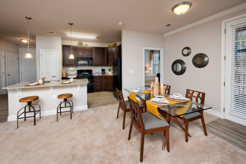 Century Tryon Place Apartments Dining Area